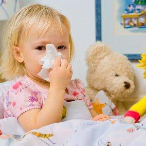 чем лучше воспользоваться для лечения зеленых соплей у ребенка