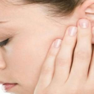 Как лечить ухо собаке в домашних условиях видео